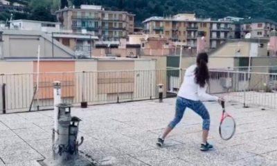 Το μεγαλύτερο viral της καραντίνας: Κορίτσια παίζουν τένις από διαφορετικές ταράτσες 2