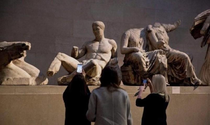 Μενδώνη προς βρετανικό μουσείο: «Επιστρέψτε τα γλυπτά του Παρθενώνα, είναι προϊόν κλοπής» 1