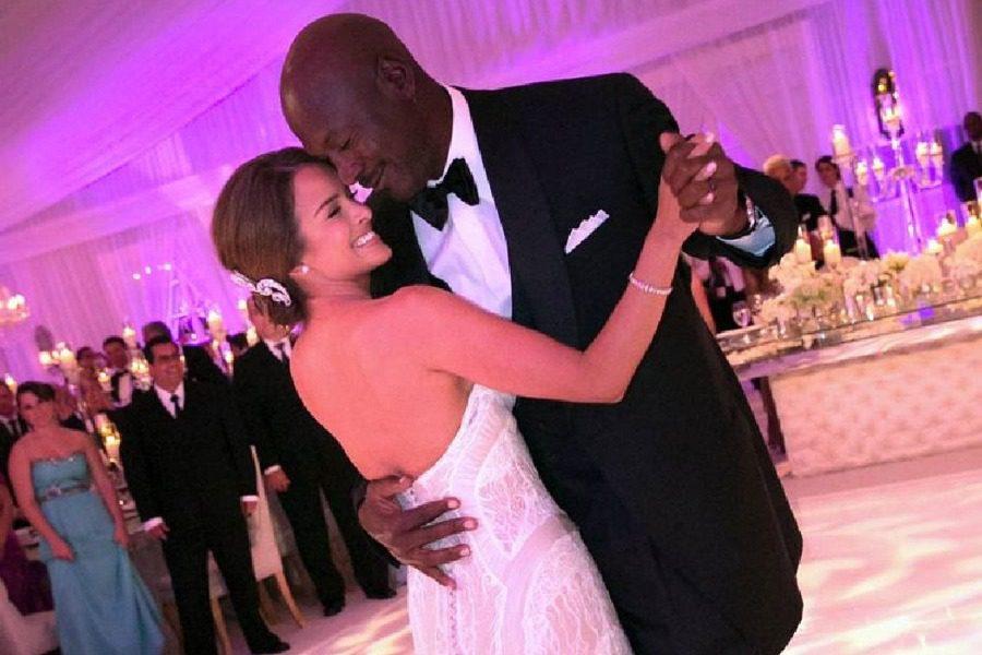 Δείτε την εντυπωσιακή σύζυγο του Michael Jordan 18