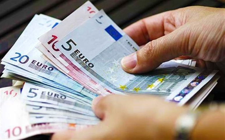 «Πως να βάλεις στην άκρη λεφτά»: Εξηγεί μια οικονομική σύμβουλος 3