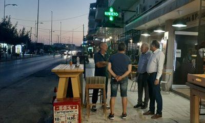 Συζήτηση Δημάρχου με επαγγελματίες και κατοίκους για τα κυκλοφοριακά μέτρα στη Ναυαρίνου 6
