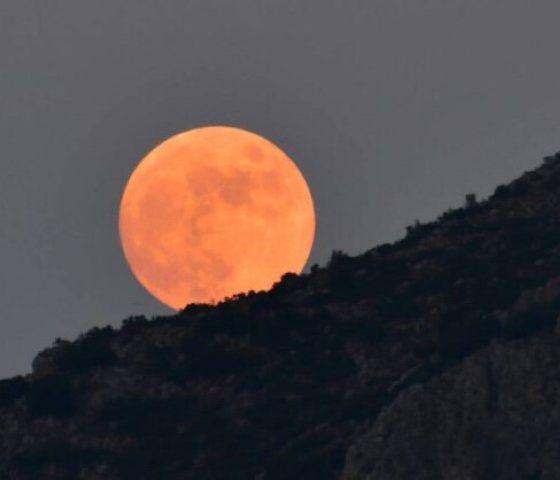 Πανσέληνος Ιουλίου: Απόψε το φεγγάρι του «Κόκκινου Ελαφιού» 2