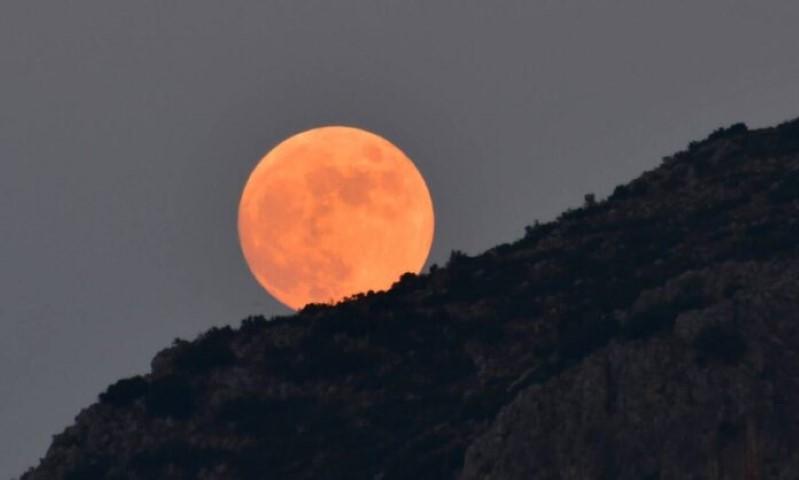 Πανσέληνος Ιουλίου: Απόψε το φεγγάρι του «Κόκκινου Ελαφιού» 14