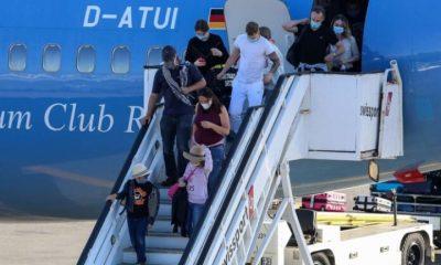 Τι έδειξαν τα πρώτα αποτελέσματα των 6.500 τεστ σε τουρίστες μετά το άνοιγμα των αεροδρομίων 17
