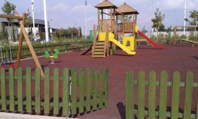 Υπεγράφη σύμβαση για τοποθέτηση νέων περιφράξεων στις παιδικές χαρές του Δήμου Καλαμάτας 8