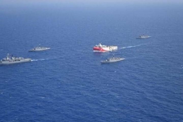 Απάντησαν οι Τούρκοι στα ελληνικά πλοία: «Φύγετε εσείς από την τουρκική ΑΟΖ» 9