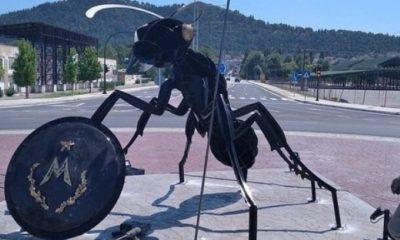 Αγαλμα ‑ μυρμήγκι στα Φάρσαλα συμβολίζει τους Μυρμιδόνες του Αχιλλέα 2