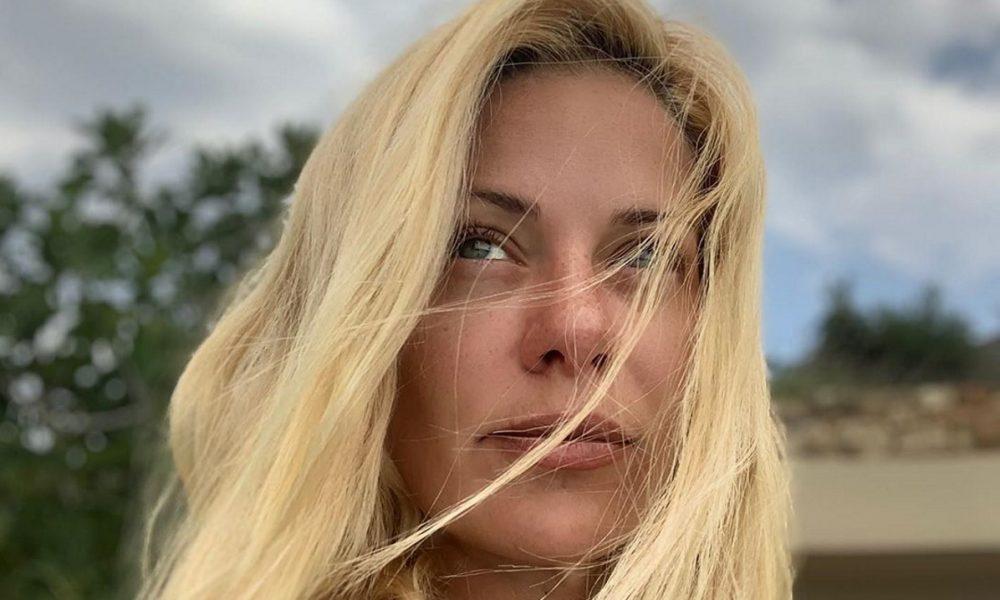 Ζέτα Μακρυπούλια: Καλοκαιρινή απόδραση στην Καλαμάτα με τον κολλητό της! 1
