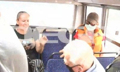 Στα χέρια ηλικιωμένος και γυναίκα στο λεωφορείο για μη χρήση μάσκας 26