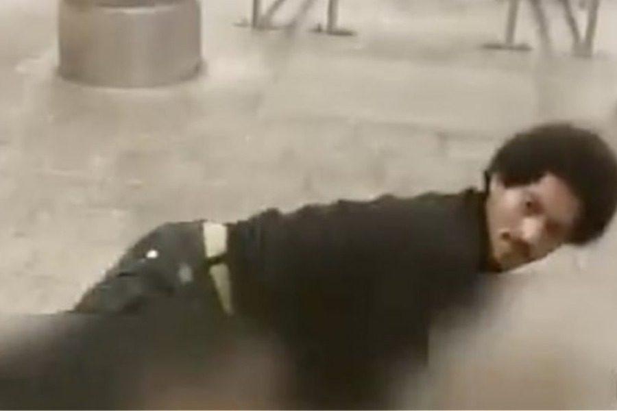 Βίντεο σοκ: Νεαρός προσπαθεί να βιάσει 25χρονη στο μετρό 14