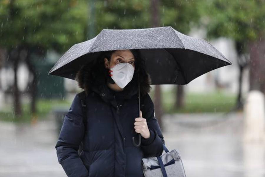 Καιρός: Έρχονται τοπικές βροχές 12