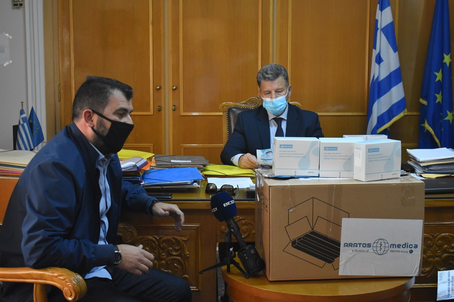 Ο Αντιπεριφερειάρχης παρέδωσε τα Rabit test στον πρόεδρο της ΕΠΣ Μεσσηνίας 1