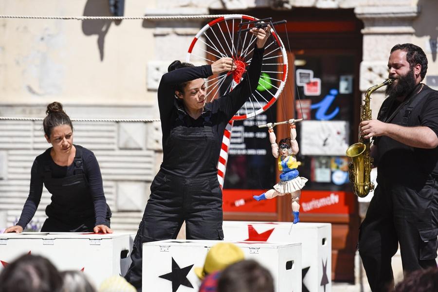 Πέφτει η αυλαία του 4ου Πανελλήνιου Φεστιβάλ Κουκλοθέατρου Καλαμάτας 11