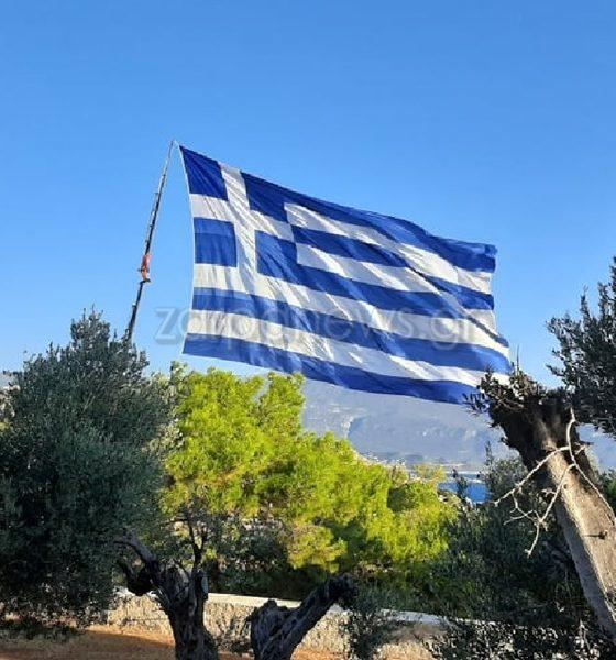 Κρητικός ύψωσε τη μεγαλύτερη Ελληνική σημαία του κόσμου στο Καστελόριζο 47