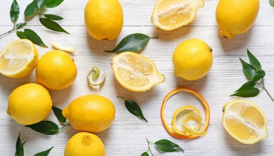Να τι θα συμβεί αν βάλετε μια φλούδα λεμονιού στο πλυντήριο πιάτων 9