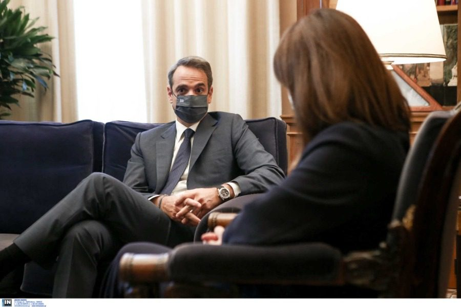 Μητσοτάκης: Μάσκες παντού και απαγόρευση κυκλοφορίας τη νύχτα 15
