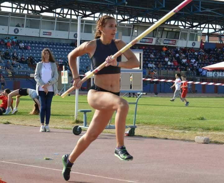 Η αθλήτρια άλματος επί κοντώ Κατερίνα Βαγενά υπέγραψε στον Γ. Σ. Ακρίτας 2016 8