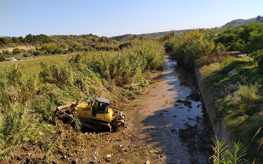 Εργασίες καθαρισμού στα ρέματα της Μεσσηνίας προς αποτροπή πλημμυρικών φαινομένων 14