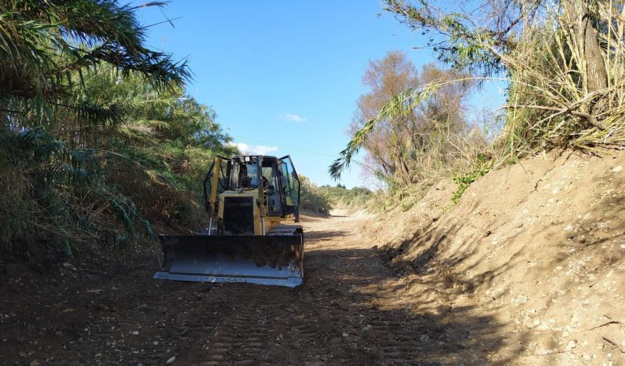 Εργασίες καθαρισμού στα ρέματα της Μεσσηνίας προς αποτροπή πλημμυρικών φαινομένων 16