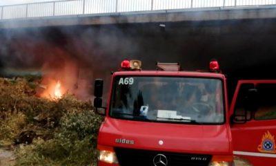 Φωτιά κάτω από τη γέφυρα της Αγίας Τριάδας αναστάτωσε τους κατοίκους 3