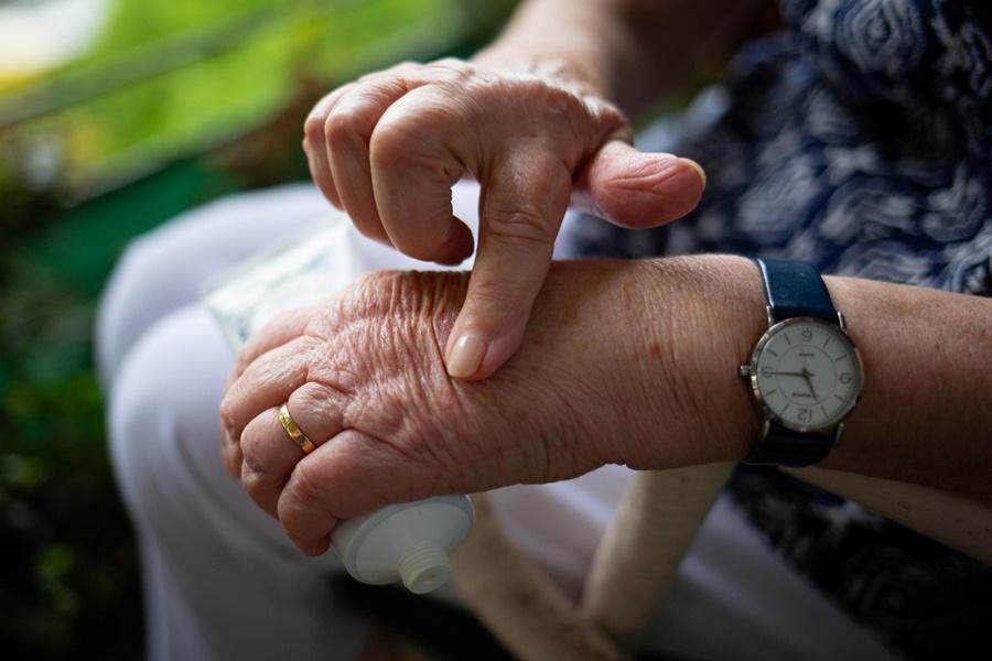Το έλαιο κάνναβης μπορεί να βοηθήσει στη θεραπεία της αρθρίτιδας 15
