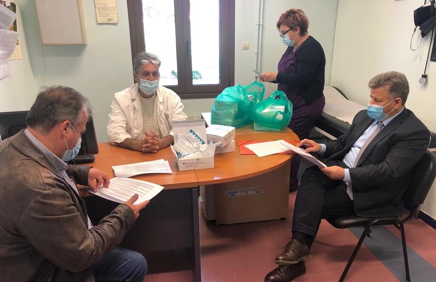Παραδόθηκαν τα rabit test στα Κέντρα Υγείας Μεσσηνίας για τους εργάτες γης 14
